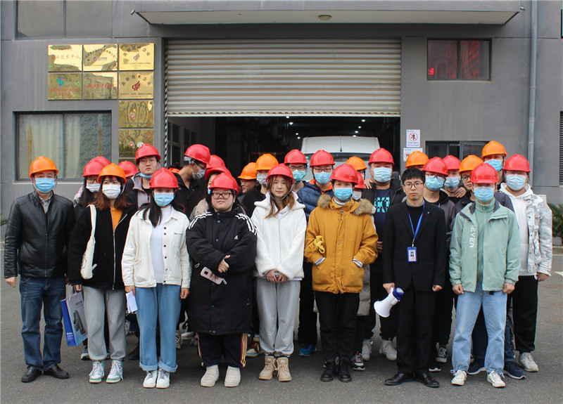 常州大学学生参观实习合照-1